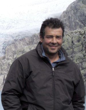 Dr. Miguel Ferrer